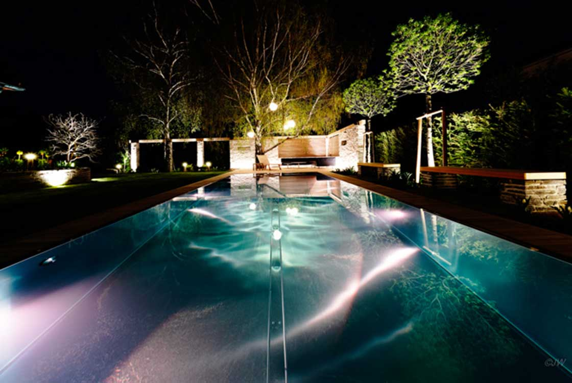 004_02_Pool-by-night