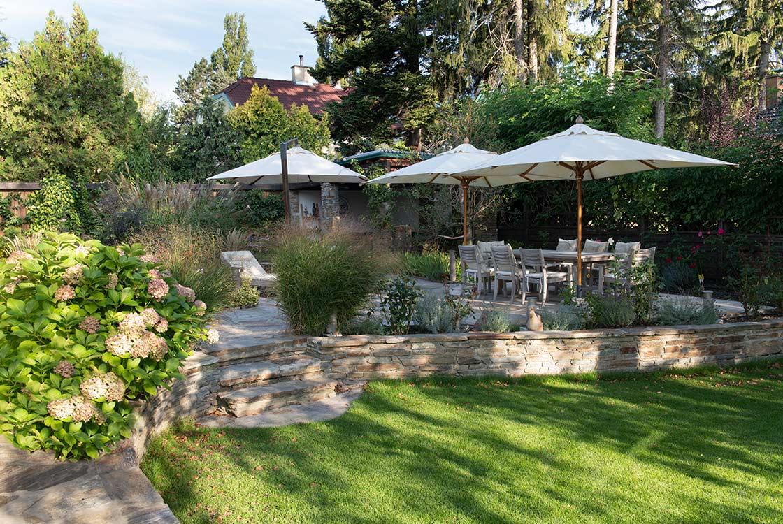004_03_Garten-m-Naturstein-Terrasse